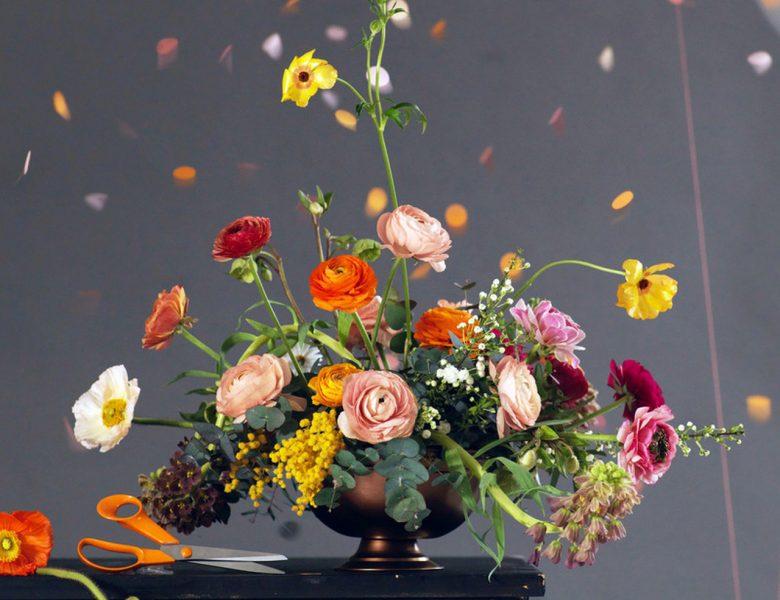 Bukiet kwiatów dla Mamy z praktyczną niespodzianką
