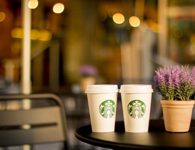 Starbucks walczy z marnowaniem żywności – teraz w całej Polsce