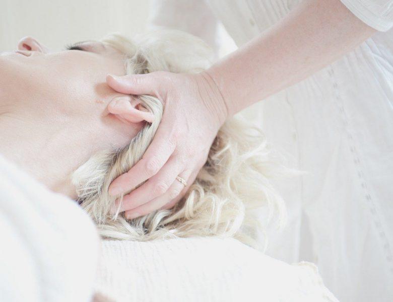 Wystarczy 5 produktów, aby kompleksowo zadbać o swoją skórę od stóp do głów