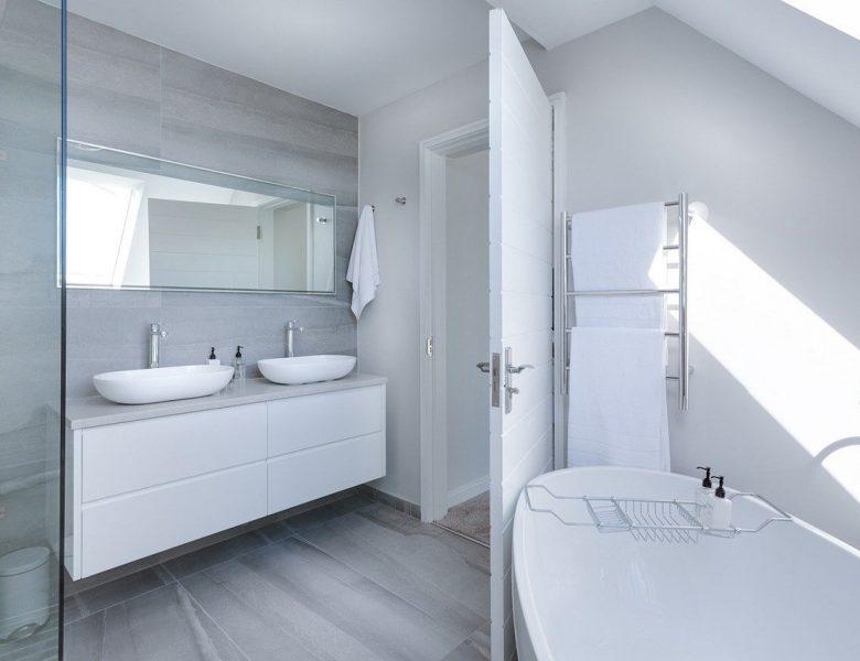 Wiosenny remont łazienki – jak w łatwy sposób stworzyć spójną przestrzeń?