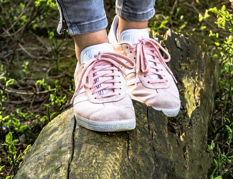 Modowe zasady noszenia butów – jak wybrać, by być zadowoloną?