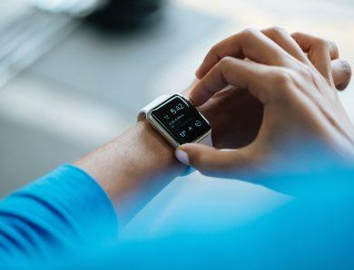 Jak rodził się smartwatch i dlaczego dziś wciąż ma sens?